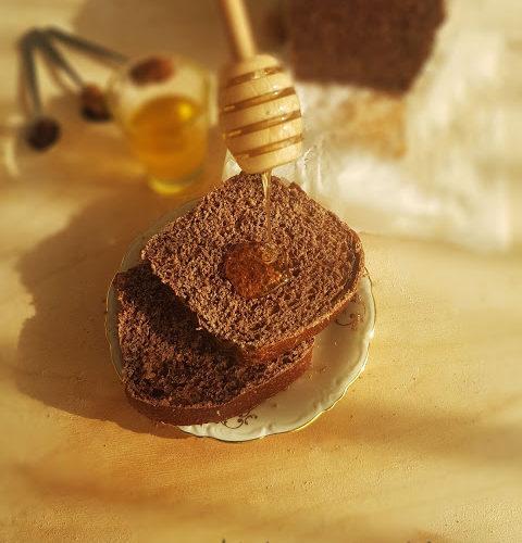Panbauletto con farina integrale, cacao e spezie