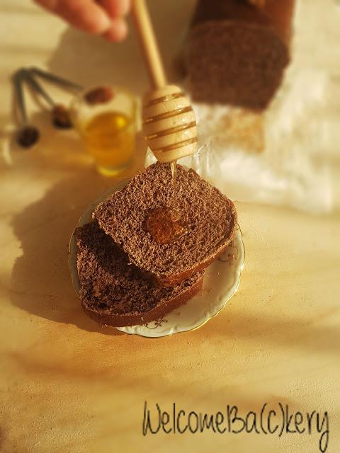 Pan bauletto con farina integrale, cacao e spezie