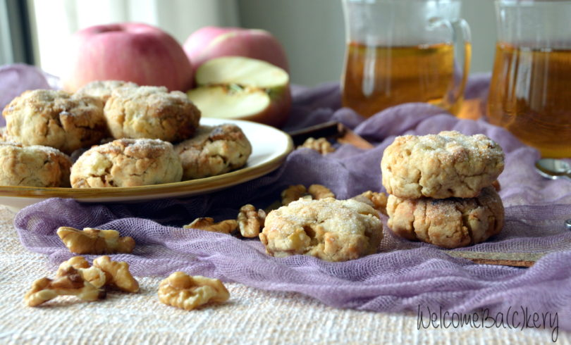 Apple and walnuts cookies
