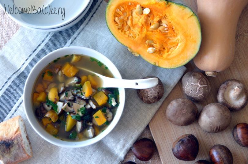 Minestrone di zucca, funghi e castagne