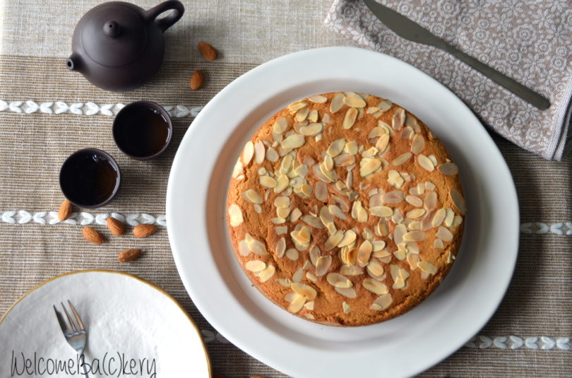 Wholewheat cake with almonds