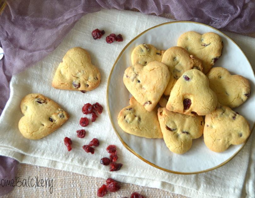 Biscotti all'olio con cranberries e arancia