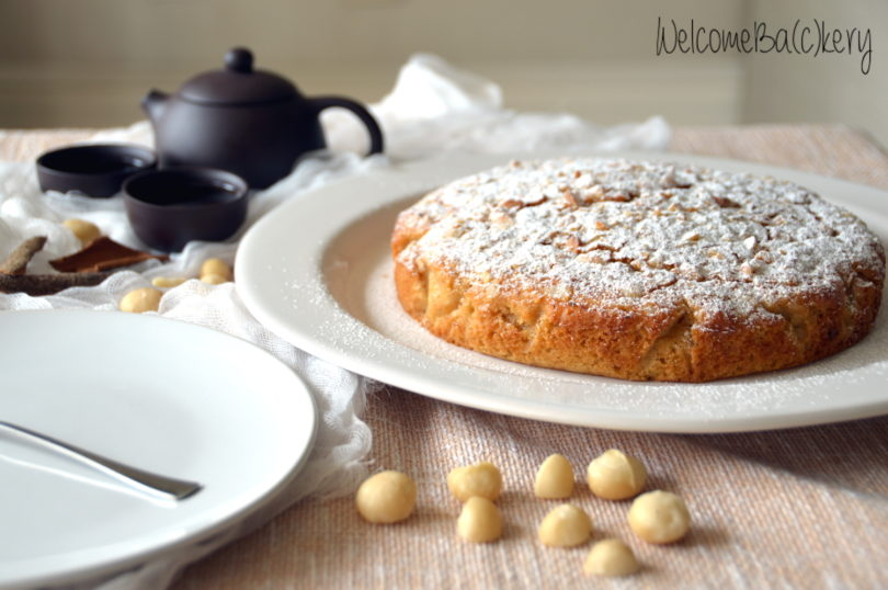Maple syrup cake, with Macadamia nuts