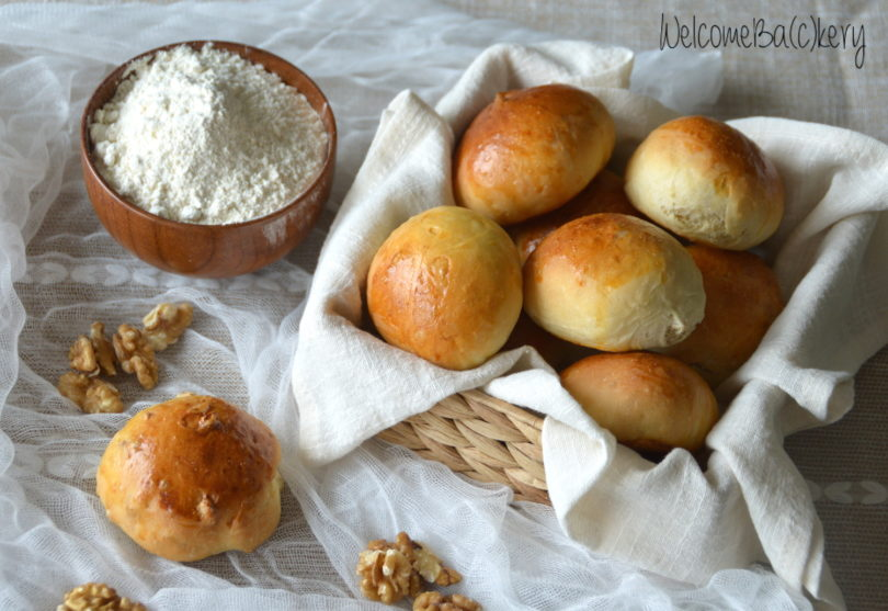 Soft little loaves, with walnuts