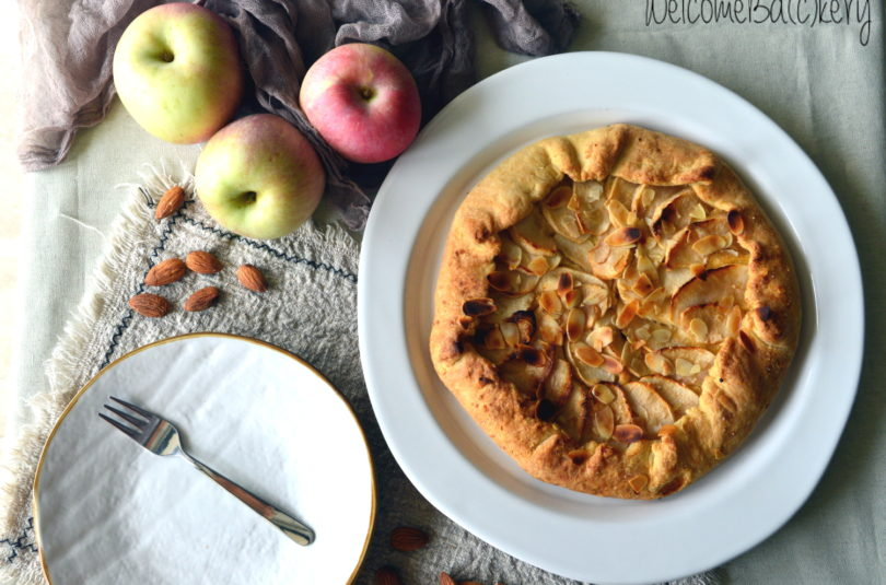 Almonds and apples galette