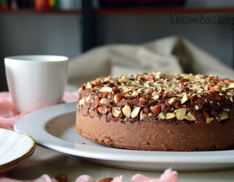 Cocoa and almonds cake
