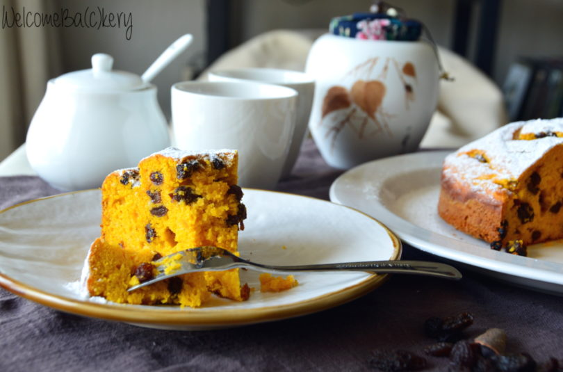 Pumpkin and raisin cake